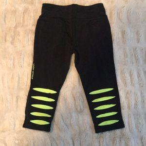 Under Armour capri workout pants